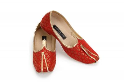 MLS RED BROCADE JUTTI